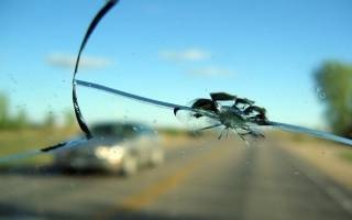 Ремонт мелких сколов на лобовом стекле