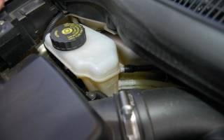 Почему проваливается педаль тормоза на уаз